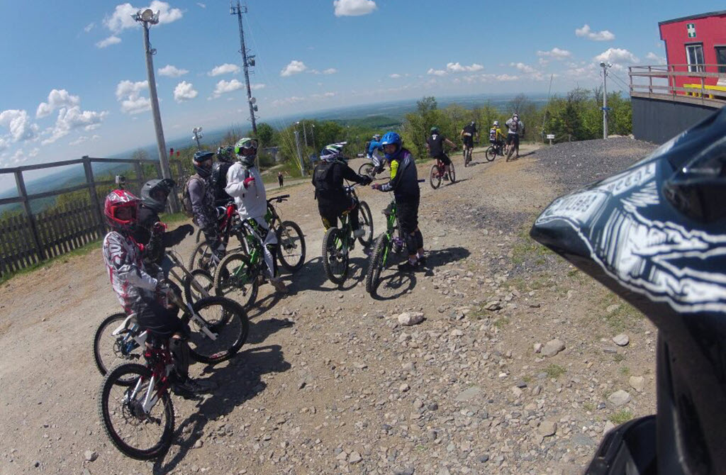 group of mountain biking people