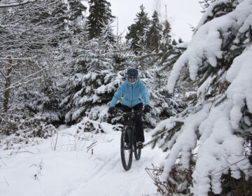 clothes for winter mountain biking